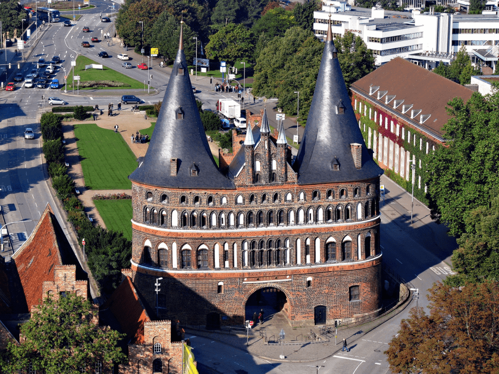 Lübeck Holstentor - 13 places that you need to see in Lübeck