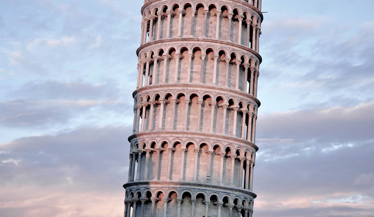 The 13 Most Cliché Travel Destinations - Leaning Tower of Pisa