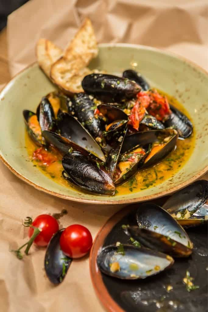 Moules Mariniere. Mussels